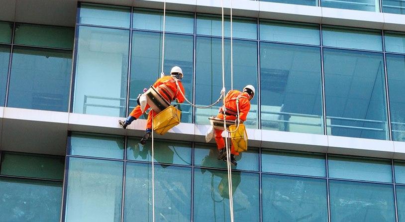 Nhân viên giám sát công trình